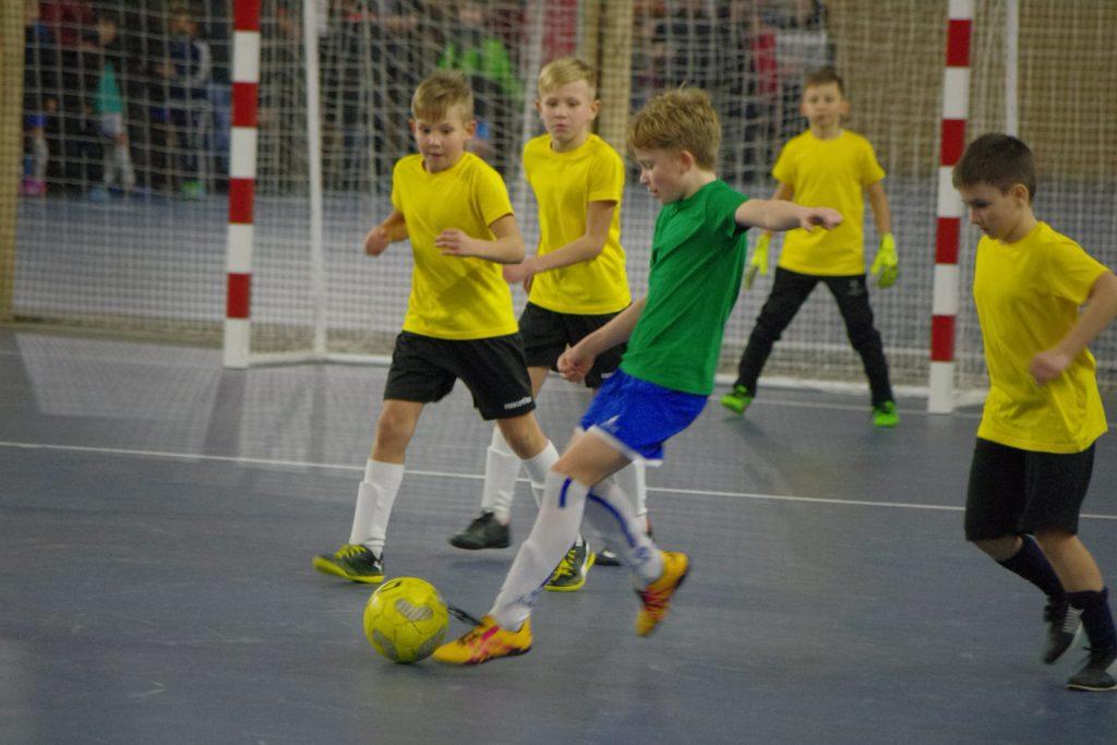 Команда из ЮАО стала призером Первенства по мини-футболу среди многодетных семей