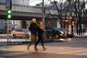 3 декабря 2017 года. Переходу станции метро «Улица Академика Янгеля». Фото: Сергей Шахиджанян