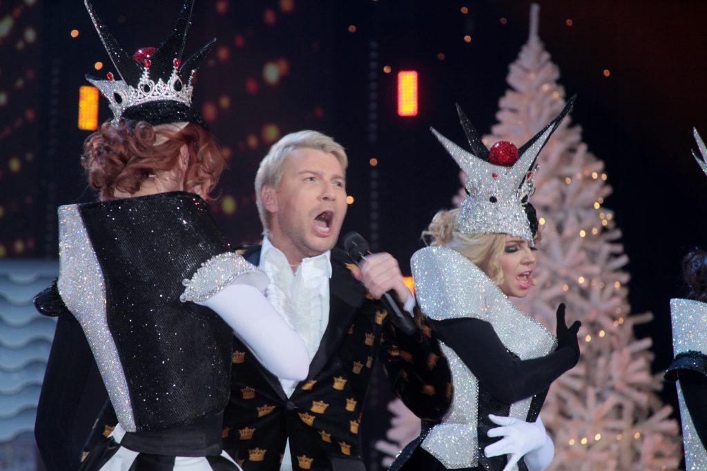 Звезды эстрады поздравят москвичей с Новым годом на окружных площадках