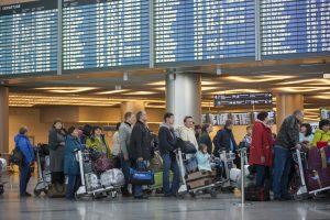 """Более 10 рейсов задержали в Домодедово. Фото: архив, """"Вечерняя Москва"""""""