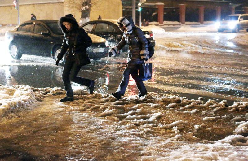 Гололед в Москве стала причиной травм у 16 человек