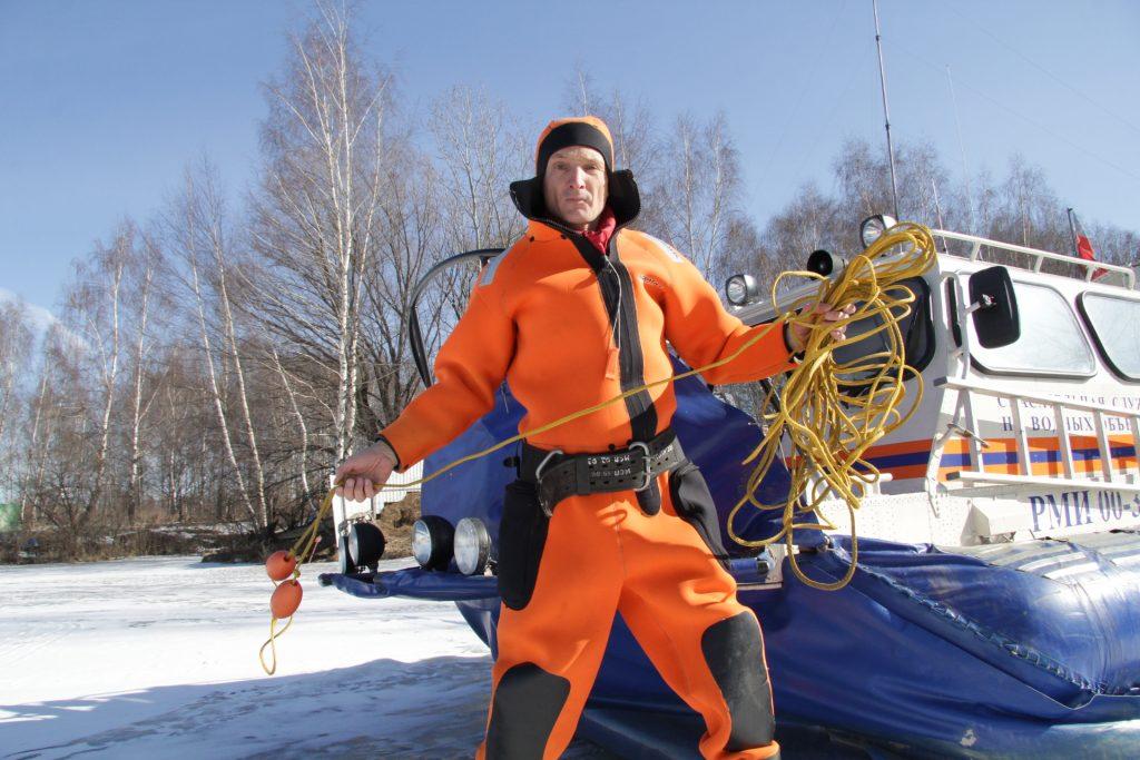 Водоемы оградили от выезда автомобилей на лед