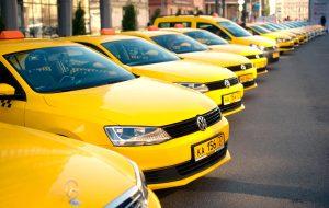 Максим Ликсутов рассказал о появлении еще 40 парковок для такси в Москве