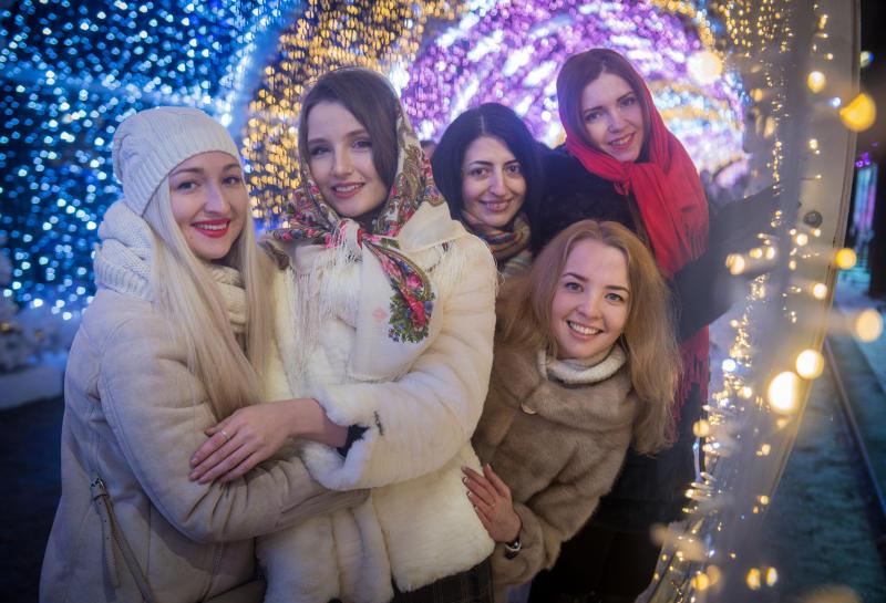 В гуляньях на Тверской за 3 дня приняли участие около 2,7 млн человек