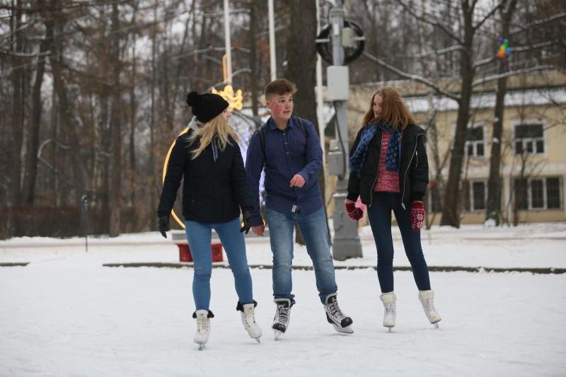 Катки 16 парков Москвы станут бесплатными для студентов и Татьян 25 января