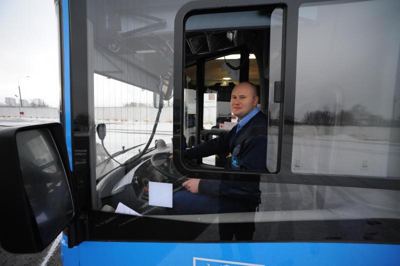Дополнительные остановки для автобусов ввели на Варшавском шоссе