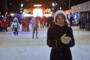 Ледовая площадка работает с 12:00 до 22:00 в будние дни, с 11:00 до 22:00 — в выходные и праздники. Фото: архив, «Вечерняя Москва»