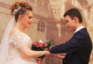 За год в Москве сочетались браком свыше 90 тысяч пар