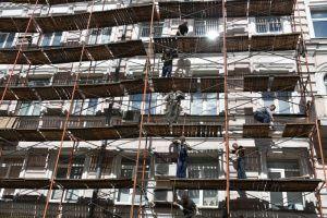"""Состояние рабочих и обстоятельства их падения сейчас выясняются. Фото: """"Вечерняя Москва"""""""