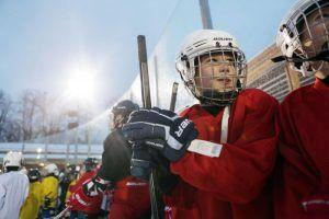 Соренования по хоккею для команд со всех районов юга Москвы пройдут в Бирюлеве Восточном. Фото: архив, «Вечерняя Москва»