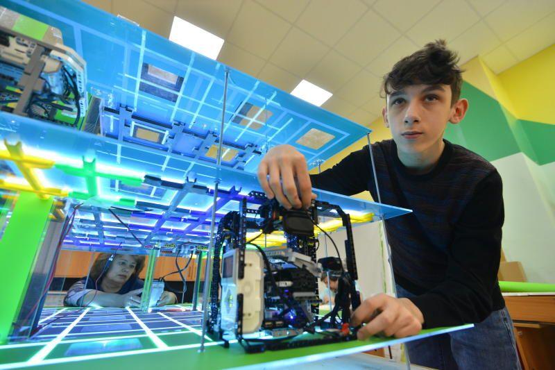 Бесплатный курс по робототехнике стартует в Центре досуга «Садовники»