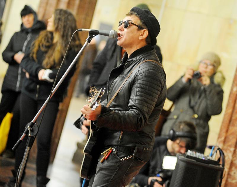 Свыше 500 артистов захотели выступить в метро Москвы