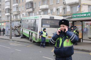 """""""Участие"""" общественного транспорта в подобных происшествиях снизилось на треть. Фото: Игорь Ивандиков"""