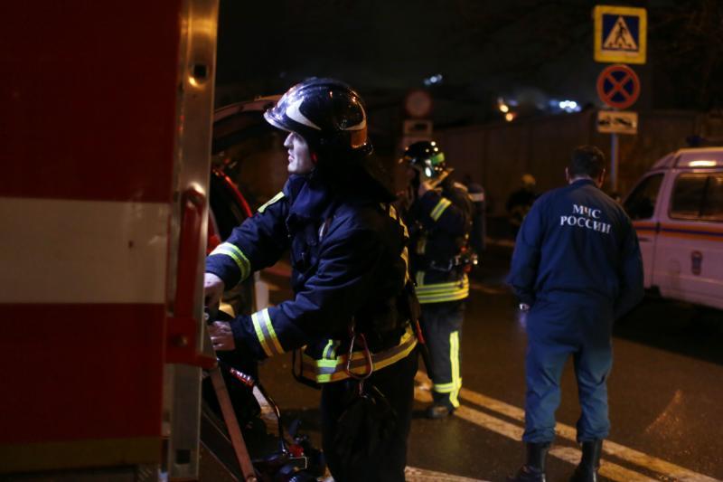 2 человека погибли впожаре вквартире наюге столицы