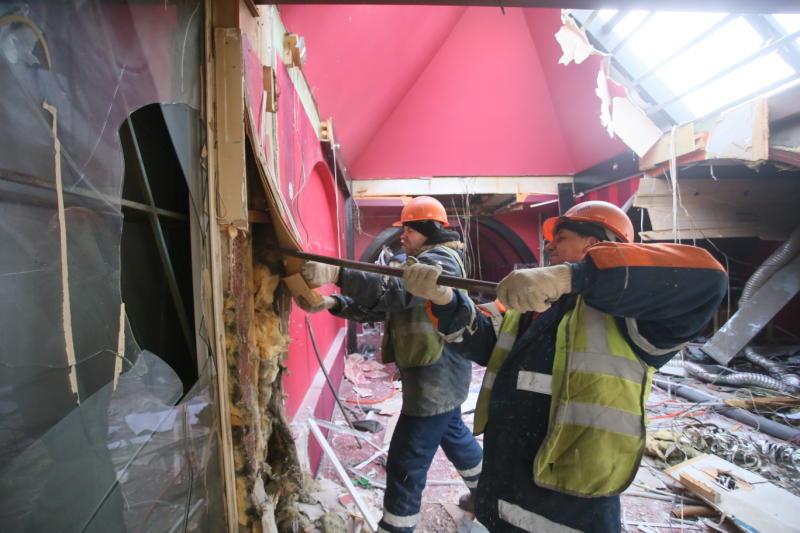 Инспекторы выяснят причины обвала грунта на юге Москвы