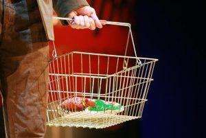 Прожиточный минимум является стоимостной оценкой потребительской корзины. Фото: Наталия Нечаева
