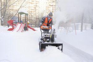 Почти 30 тысяч человек привлечено к уборке улиц Москвы от снега. Фото: Пелагия Замятина, «Вечерняя Москва»