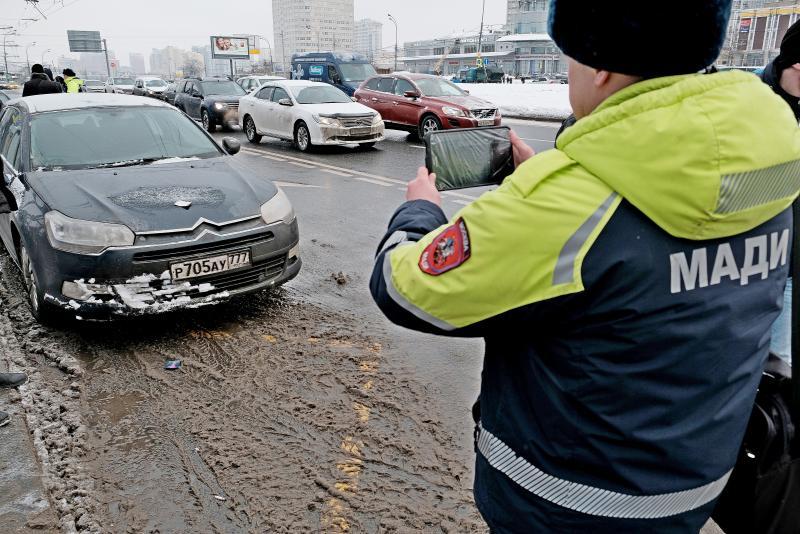 Инспекторы МАДИ зафиксировали свыше тысячи нарушений парковки