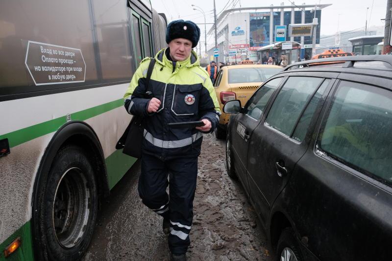 В районе Выхино-Котельники в Москве усилили контроль за парковкой
