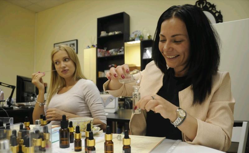 Служба по надзору в сфере защиты прав потребителей дала москвичам рекомендации по выбору парфюмерии