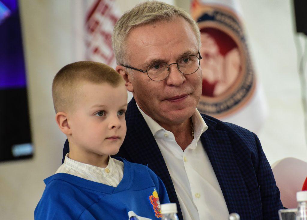 Вячеслав Фетисов: За пенсионной книжкой не спешу