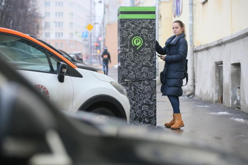 Парковки в Москве станут бесплатными в майские праздники
