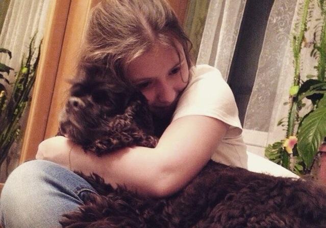 Свои первые самостоятельно заработанные деньги Алина потратила на покупку собаки. Фото: предоставлено Алиной Кукушкиной