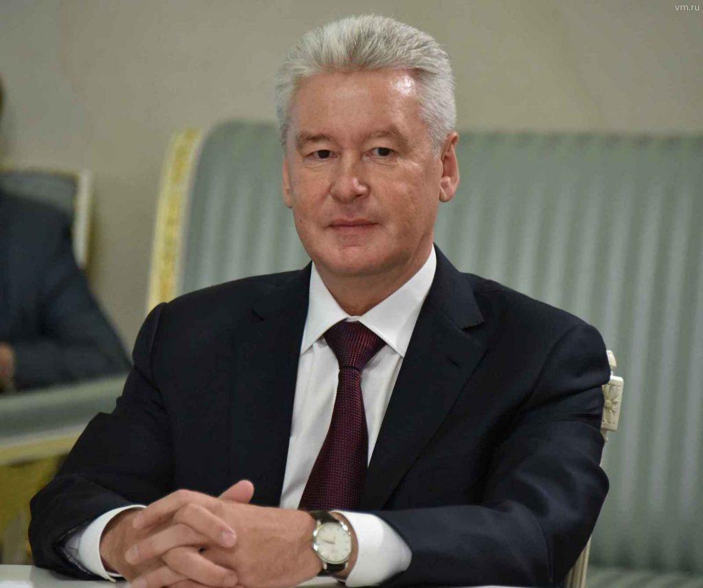 Мэр Москвы Сергей Собянин предложил поздравить ветеранов с Днем Победы именными открытками