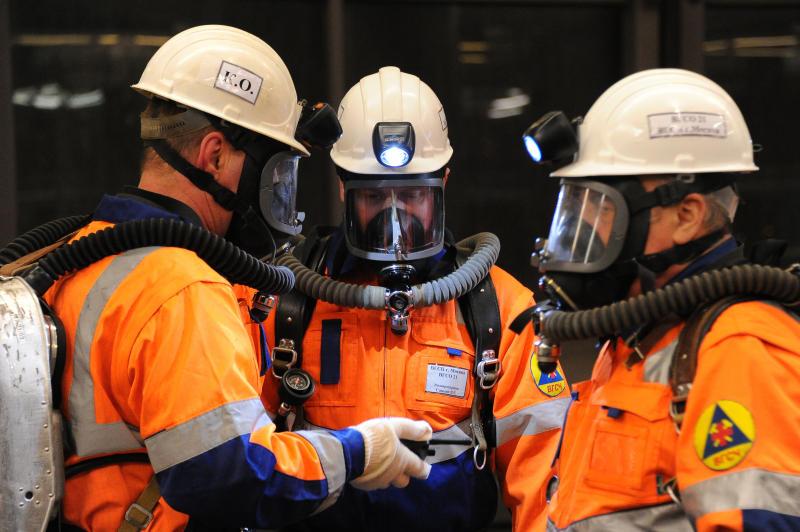 Помимо сотрудников пожарной бригады, о безопасности граждан должны думать как они сами, так и представители муниципальной власти. Фото: Светлана Колоскова, «Вечерняя Москва»