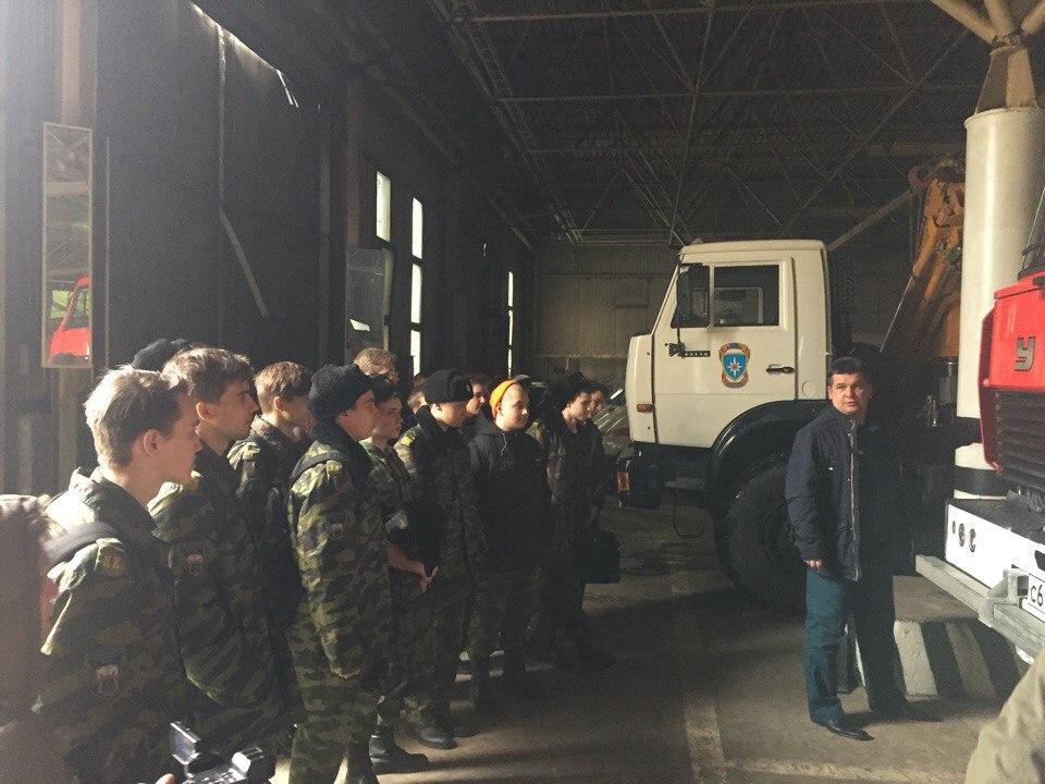 Ребята посетили 51-ю специализированную пожарную часть МЧС. Фото предоставлено Сергеем Епифанцевым