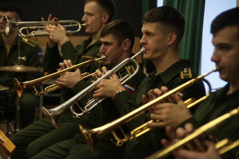 Конкурс патриотических песен и танцев «Солдатский конверт» соберет в Братееве около 100 участников