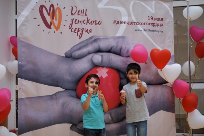 Артисты «Театриума» выступили для маленьких пациентов Центра имени Бакулева