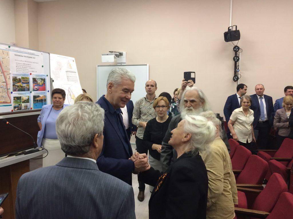 Сергей Собянин обсудил вопросы капитального ремонта с жителями Бирюлева Западного