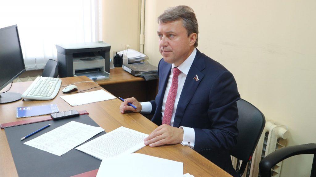 Депутаты всех уровней провели прием граждан на юге Москвы