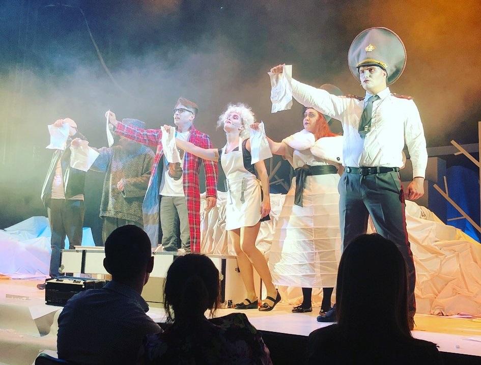 Молодежная палата Даниловского района организовала бесплатный поход в театр для горожан