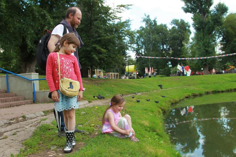 Отдохнуть с семьей на открытом воздухе приглашают москвичей 19 мая парки столицы. Фото: Наталия Нечаева, «Вечерняя Москва»