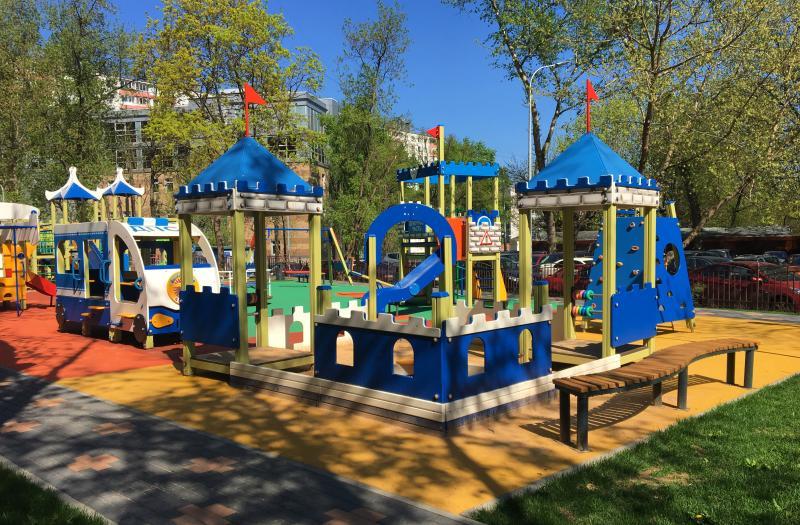 Три детские площадки обустроят в Царицыне на средства от платных парковок