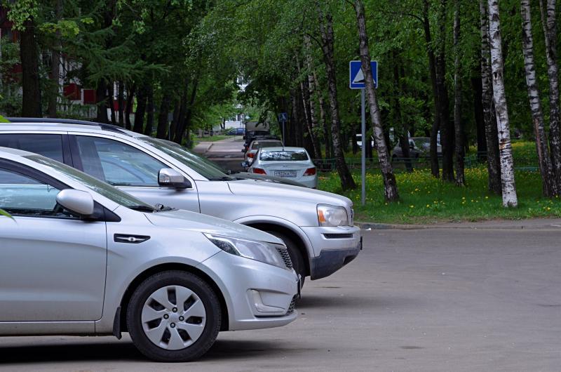 Более 300 новых парковочных мест появится в столице
