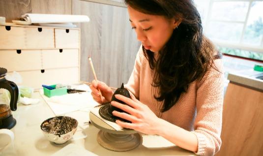 Мастера из Тайваня научат гостей Дарвиновского музея росписи по дереву