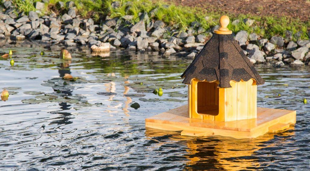 Плавучий дом для уток появился в парке «Зарядье»