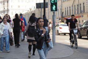В столице уже оптимизировали работу светофоров на 127 пешеходных переходах. Фото: Антон Гердо