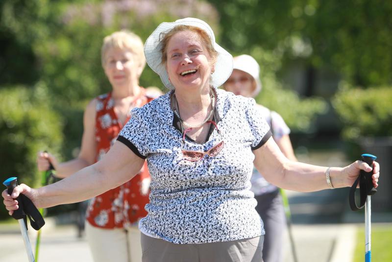 Более 800 жителей Бирюлева Западного присоединились к «Московскому долголетию»