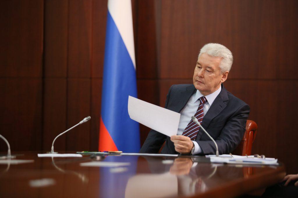 Собянин подал в МГИК собранные подписи избирателей