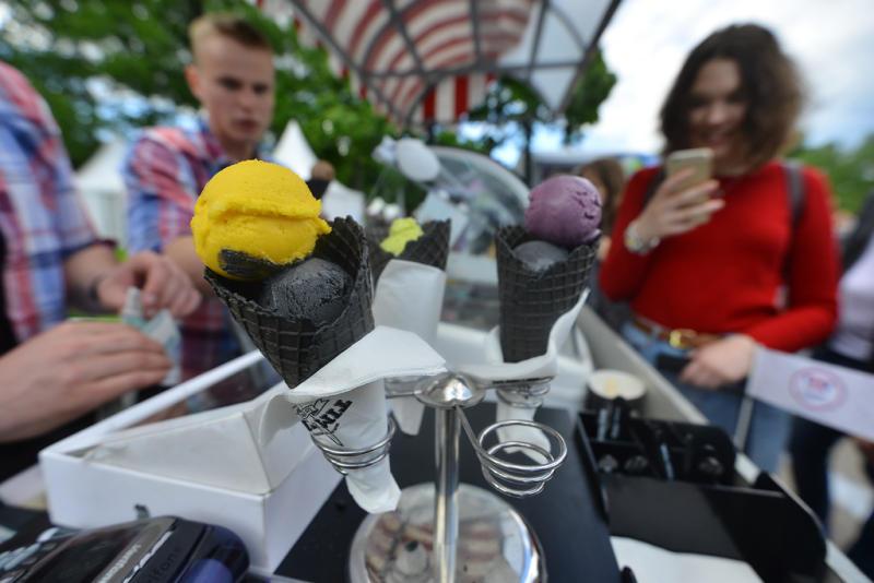 В Москве выставили на аукционы право торговли мороженым с тележек