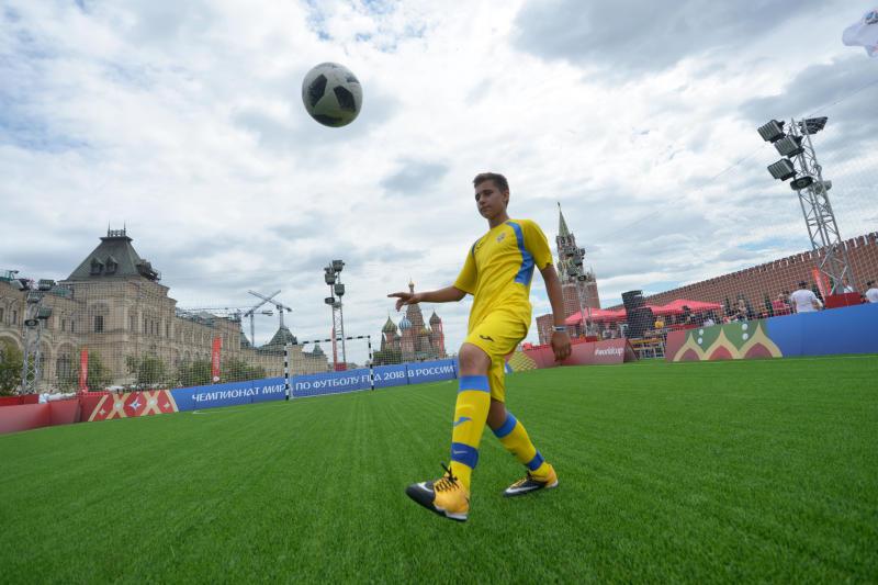 Пять тысяч кафе транслируют футбольные матчи в Москве