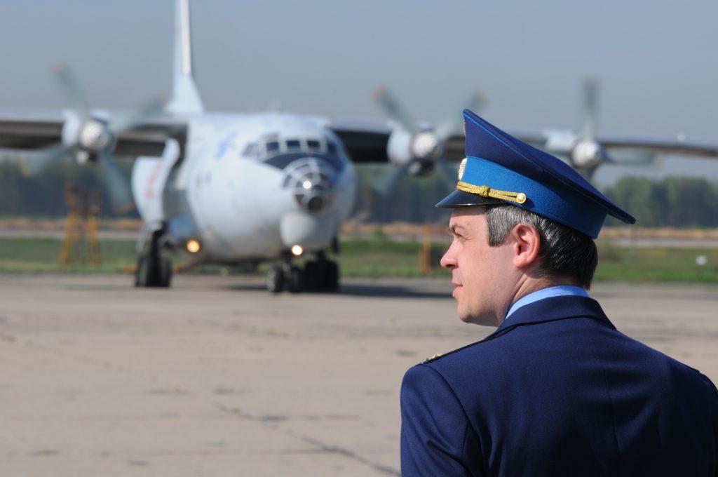 Самолеты стабилизируют погоду в День России