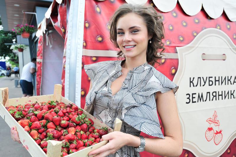 Сезон клубники: где в округе можно купить спелые ягоды. Фото: Пелагия Замятина, «Вечерняя Москва»