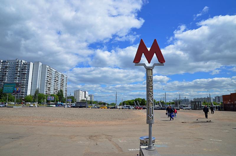 Начались работы по установке фестивальной площадки у станции метро «Красногвардейская»