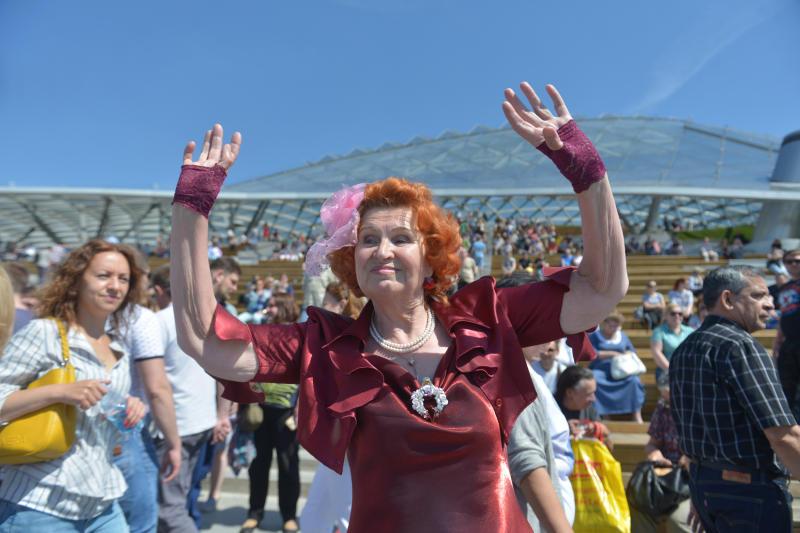 Праздничное мероприятие «Лето в Зарядье» состоялось в столице