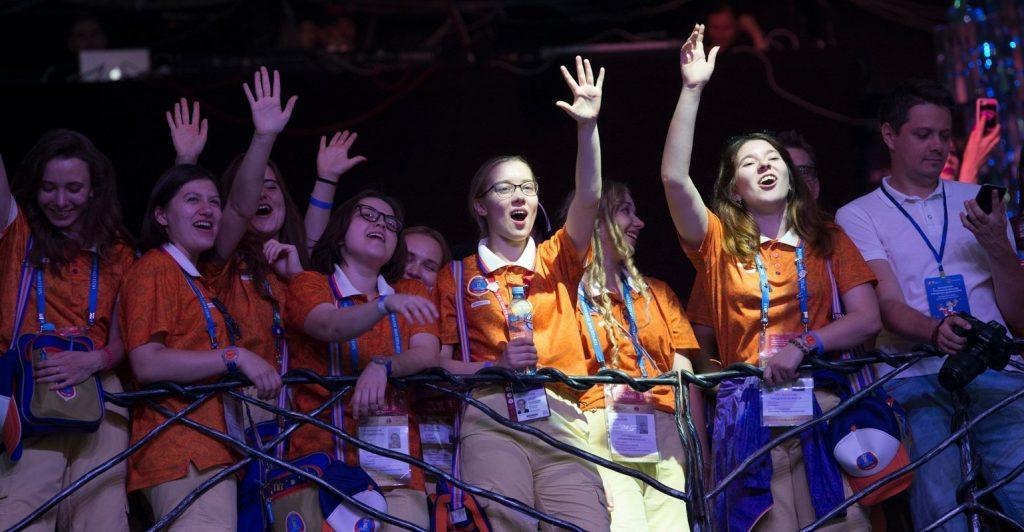 Волонтеры Москвы стали лицом всей страны во время ЧМ-2018